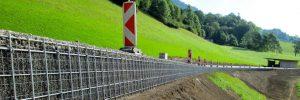 FlexiTrain stabilise des banquettes ou les accotements de routes ou voies ferroviaires